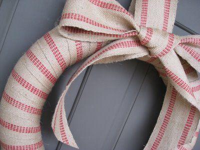 d4eb2957648b1210a56580e25e42ff7a–ribbon-wreaths-door-wreaths